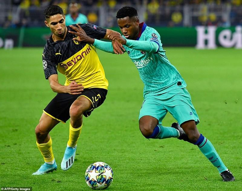 Barca hòa chật vật Dortmund, Inter 'toát mồ hôi' có 1 điểm - ảnh 1