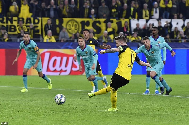 Barca hòa chật vật Dortmund, Inter 'toát mồ hôi' có 1 điểm - ảnh 4