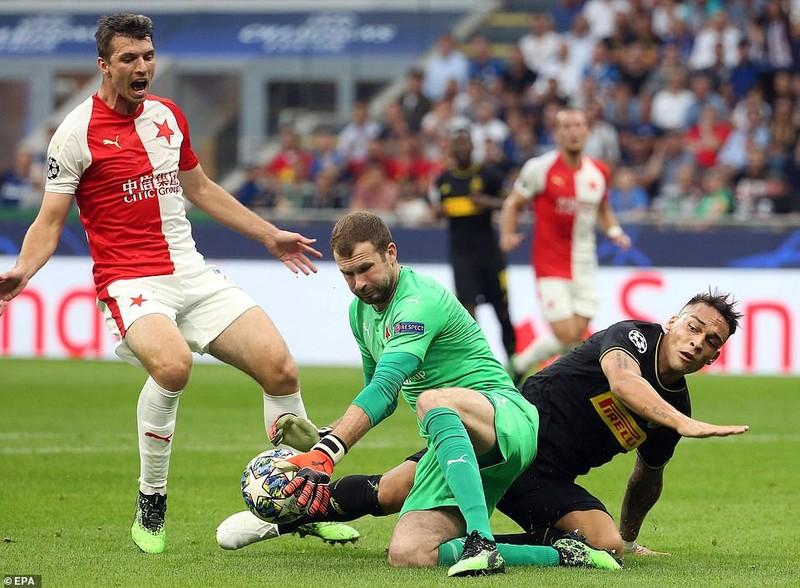 Barca hòa chật vật Dortmund, Inter 'toát mồ hôi' có 1 điểm - ảnh 6