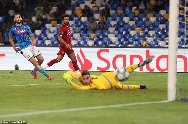 Hậu vệ mắc sai lầm, Liverpool thảm bại trước Napoli - ảnh 1