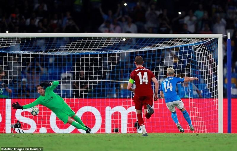 Hậu vệ mắc sai lầm, Liverpool thảm bại trước Napoli - ảnh 5