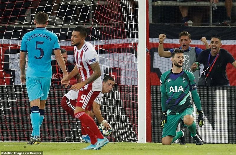 'Hùm xám' chiếm ngôi đầu, Tottenham chia điểm tiếc nuối - ảnh 3