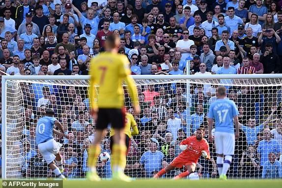 Ghi 5 bàn trong 18 phút đầu hiệp, Man. City 'hủy diệt' Watford - ảnh 2