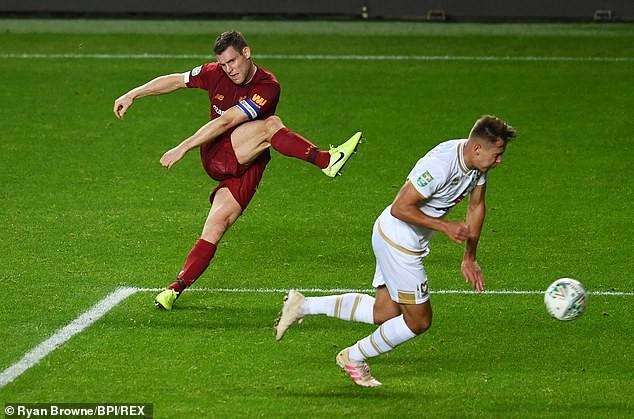 Liverpool, Chelsea thắng dễ, MU chật vật vào vòng 4 League Cup - ảnh 1