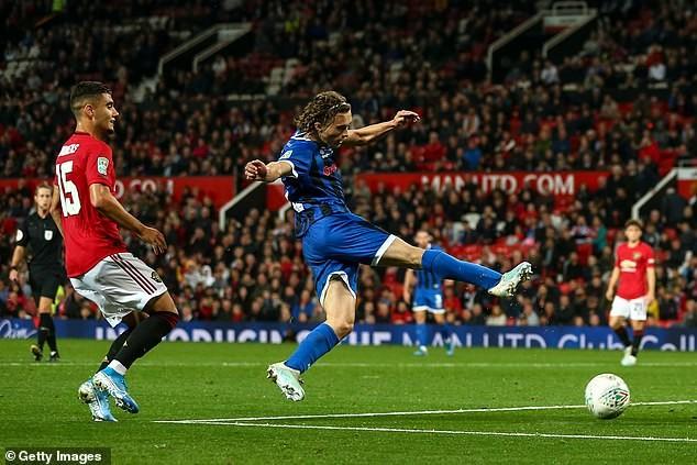 Liverpool, Chelsea thắng dễ, MU chật vật vào vòng 4 League Cup - ảnh 5