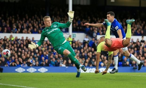 Thắng kịch tính Everton, Man. City tiếp tục bám đuổi Liverpool - ảnh 2