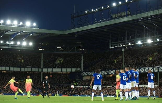 Thắng kịch tính Everton, Man. City tiếp tục bám đuổi Liverpool - ảnh 5