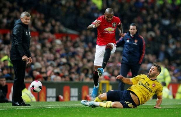 Hậu vệ mắc sai lầm, MU bị Arsenal cầm chân tại Old Trafford - ảnh 1