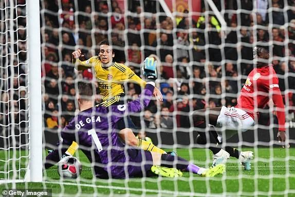 Hậu vệ mắc sai lầm, MU bị Arsenal cầm chân tại Old Trafford - ảnh 3