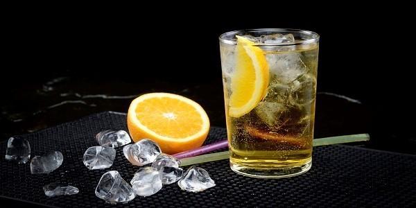 Nguy hại cơ thể từ việc pha rượu với nước ngọt, nước tăng lực - ảnh 1