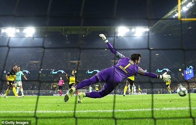 Dortmund ngược dòng kịch tính, Barca hòa muối mặt tại Nou Camp - ảnh 2