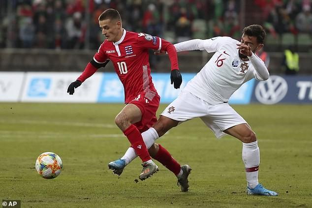 Ronaldo ghi bàn cuối giờ, Bồ Đào Nha đoạt vé tham dự Euro 2020 - ảnh 2