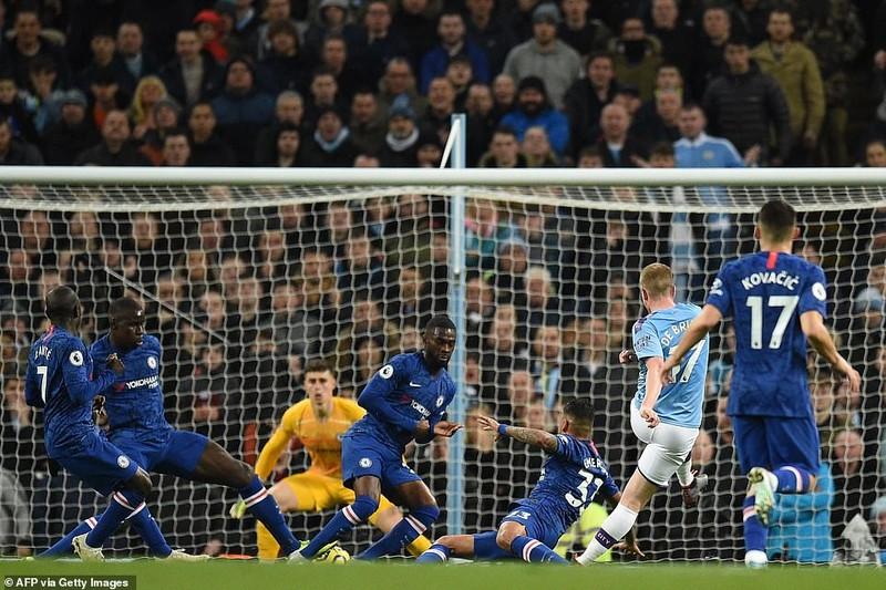 Lội ngược dòng trong hiệp 1, Man City vượt mặt Chelsea - ảnh 2