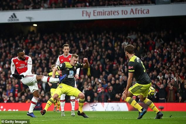 Liverpool thắng khó hiệp 2, Arsenal thoát thua phút bù giờ - ảnh 7