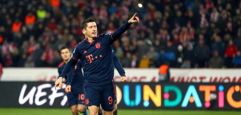 Real chia điểm phút cuối trước PSG, Bayern 'chơi tennis' - ảnh 6