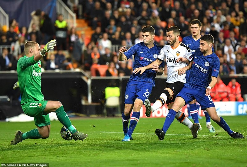 Messi rực sáng, Barcelona chiếm ngôi đầu, bảng H khó lường - ảnh 4