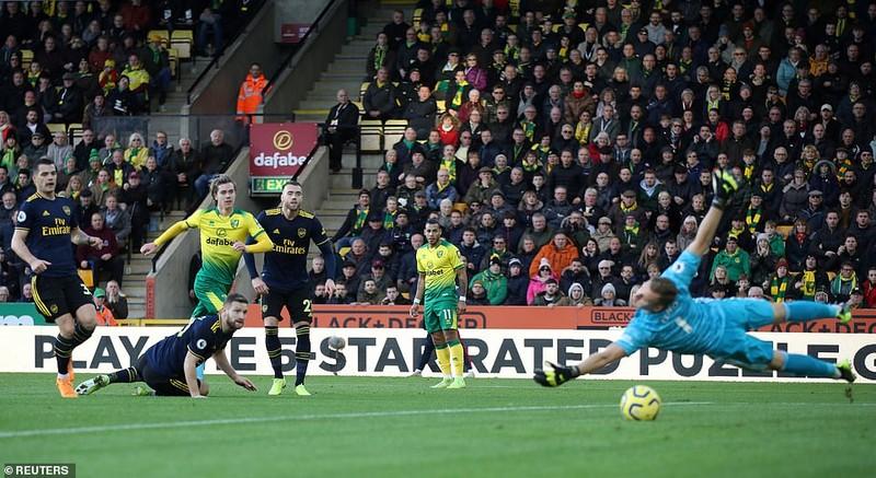 Aubameyang lập 'cú đúp' giúp Arsenal thoát thua - ảnh 3