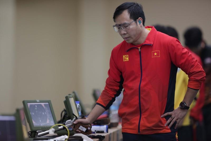 Hoàng Xuân Vinh 'hụt' HCV SEA Games 30 ở 4 loạt bắn cuối - ảnh 1