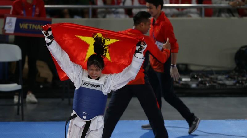 Bóng đá nữ vô địch, đoàn Việt Nam có 20 HCV SEA Games hôm nay - ảnh 2