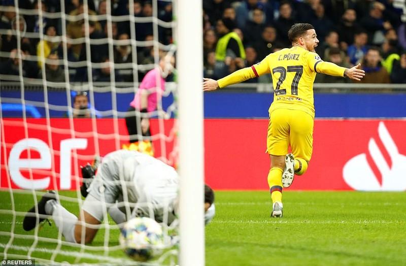 Sao trẻ Barca tỏa sáng, Inter dừng chân tại Champions League - ảnh 1