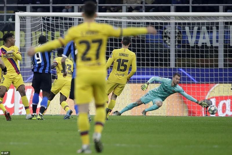 Sao trẻ Barca tỏa sáng, Inter dừng chân tại Champions League - ảnh 2