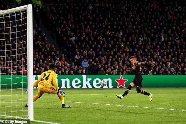 Sao trẻ Barca tỏa sáng, Inter dừng chân tại Champions League - ảnh 6