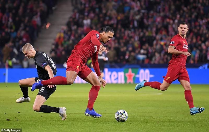 Bùng nổ hiệp 2, Liverpool kết thúc vòng bảng với ngôi đầu - ảnh 1