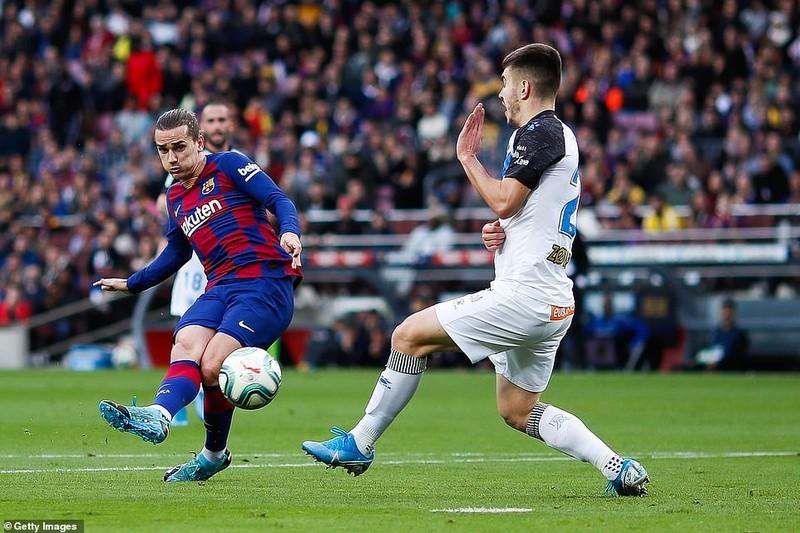 Trọng tài 2 lần từ chối bàn thắng, Barca vẫn thắng tưng bừng - ảnh 1
