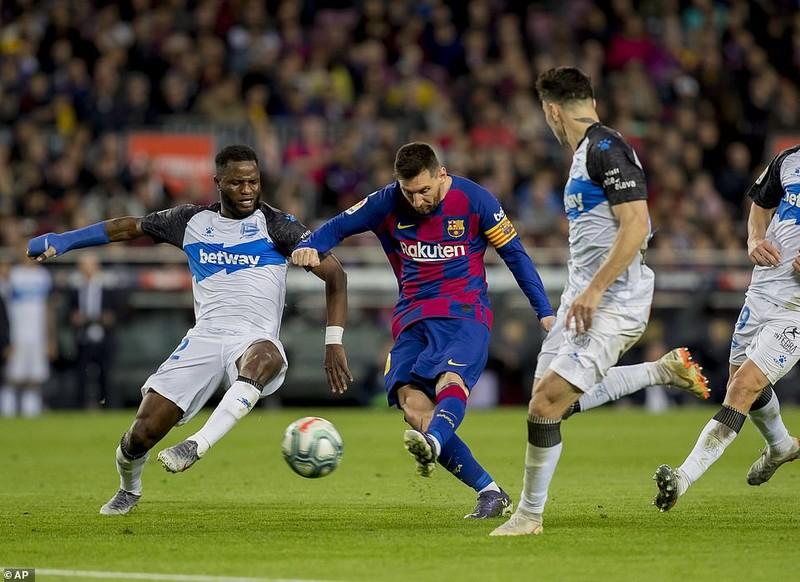 Trọng tài 2 lần từ chối bàn thắng, Barca vẫn thắng tưng bừng - ảnh 5