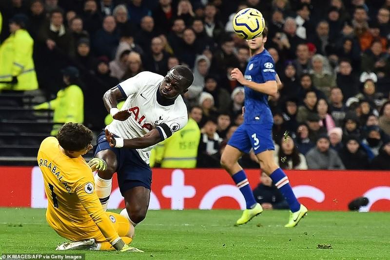 Sao Hàn nhận thẻ đỏ, Tottenham thảm bại trước Chelsea - ảnh 2