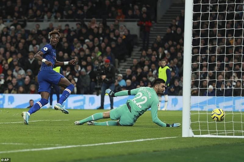 Sao Hàn nhận thẻ đỏ, Tottenham thảm bại trước Chelsea - ảnh 5