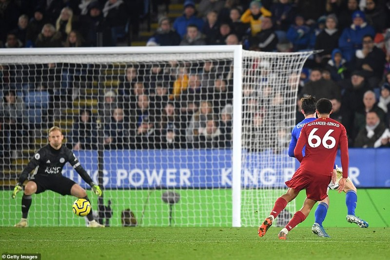 """Ghi 3 bàn chưa đến 10 phút, Liverpool """"xử đẹp"""" Leicester City - ảnh 7"""