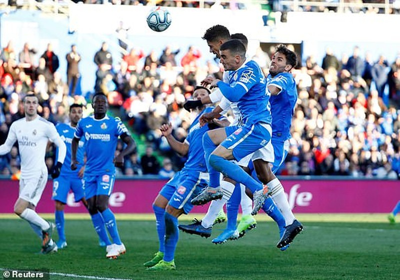 Thắng dễ Getafe, Real Madrid tạm soán ngôi đầu của Barcelona - ảnh 4