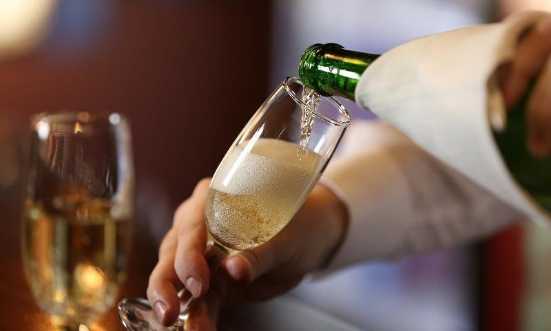 Cơ thể sẽ cải thiện thế nào sau 1 tháng không uống rượu bia? - ảnh 1