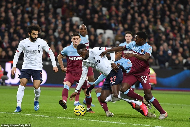 Thắng dễ West Ham, Liverpool tạo nên khoảng cách không tưởng - ảnh 1