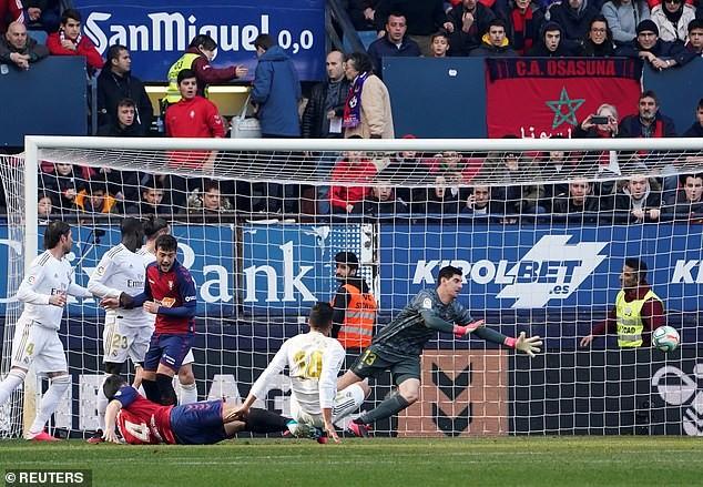 Lội ngược dòng tưng bừng, Real Madrid tiếp tục bảo vệ ngôi đầu - ảnh 1