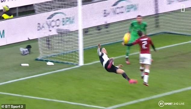 """Ronaldo """"nổ súng"""", Juventus thoát thua AC Milan phút cuối - ảnh 4"""