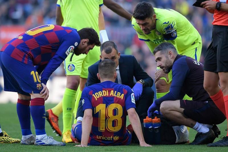 Messi tiếp tục 'tịt ngòi', Barca thắng khó Getafe tại Nou Camp - ảnh 1