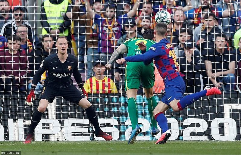 """Messi lập poker, Barcelona """"huỷ diệt"""" Eibar chiếm ngôi đầu - ảnh 5"""