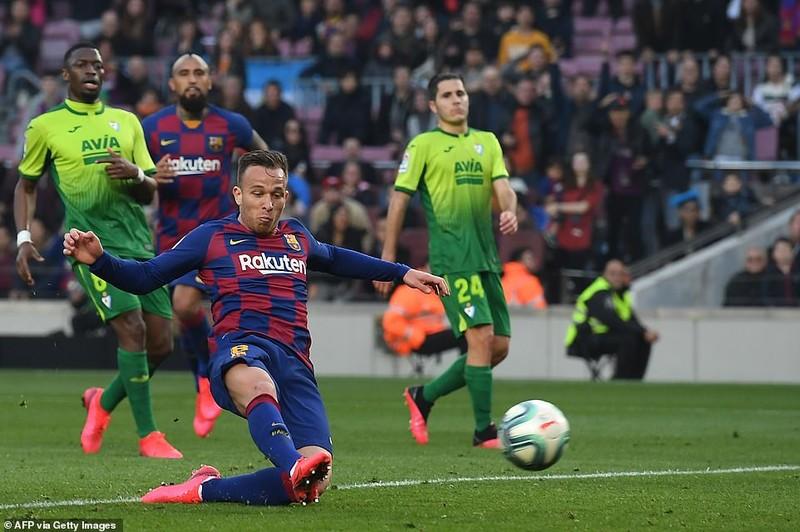 """Messi lập poker, Barcelona """"huỷ diệt"""" Eibar chiếm ngôi đầu - ảnh 7"""