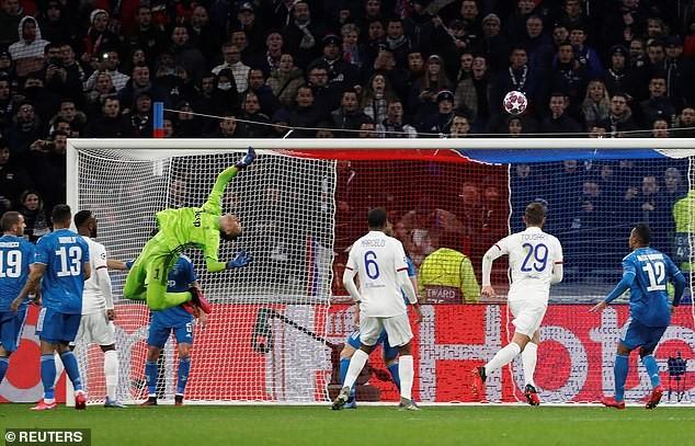 Ronaldo 'tịt ngòi', Juventus thua sốc trước Lyon trên đất Pháp - ảnh 3