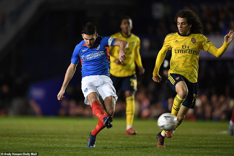Thắng dễ đội hạng 3, Arsenal giành vé vào tứ kết FA Cup - ảnh 2