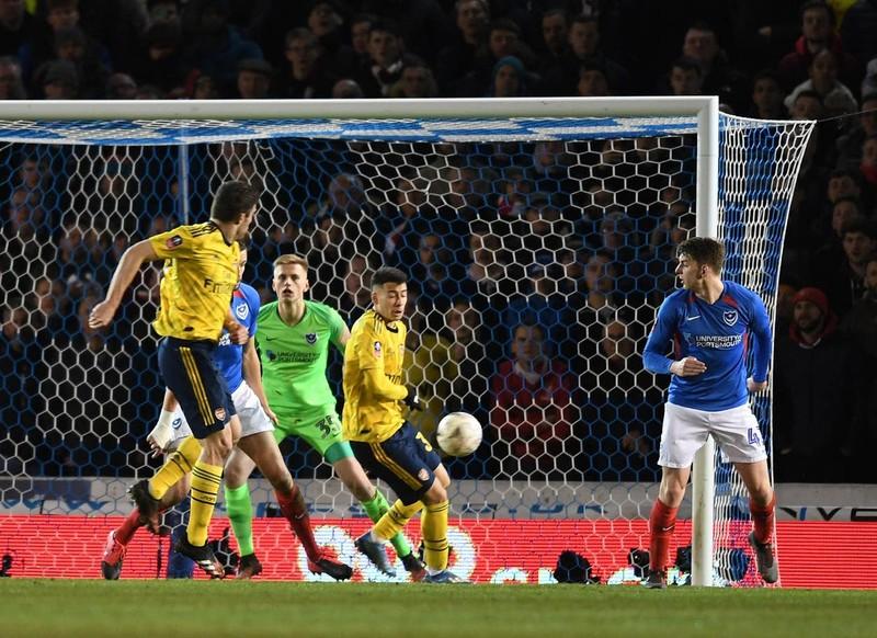 Thắng dễ đội hạng 3, Arsenal giành vé vào tứ kết FA Cup - ảnh 3