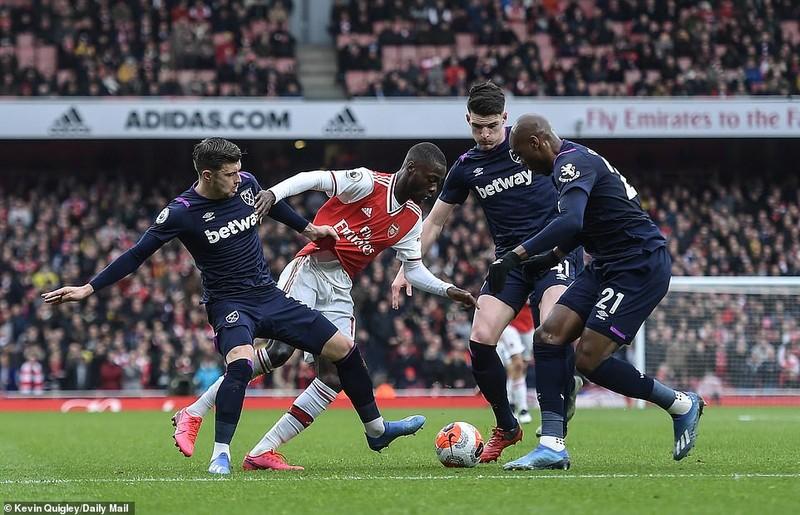 Cột dọc, xà ngang cứu thua, Arsenal nhọc nhằn giành 3 điểm - ảnh 1