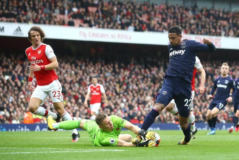 Cột dọc, xà ngang cứu thua, Arsenal nhọc nhằn giành 3 điểm - ảnh 2