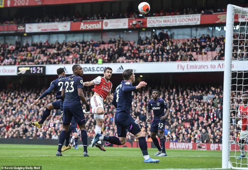 Cột dọc, xà ngang cứu thua, Arsenal nhọc nhằn giành 3 điểm - ảnh 3