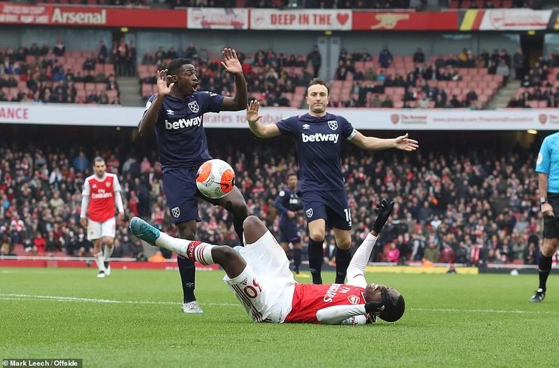 Cột dọc, xà ngang cứu thua, Arsenal nhọc nhằn giành 3 điểm - ảnh 4