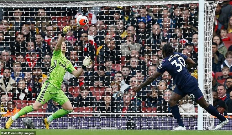 Cột dọc, xà ngang cứu thua, Arsenal nhọc nhằn giành 3 điểm - ảnh 5
