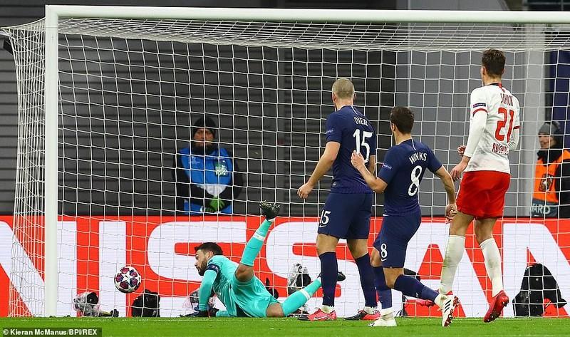 Leipzig hủy diệt Tottenham, Atalanta thắng kịch tính Valencia - ảnh 3