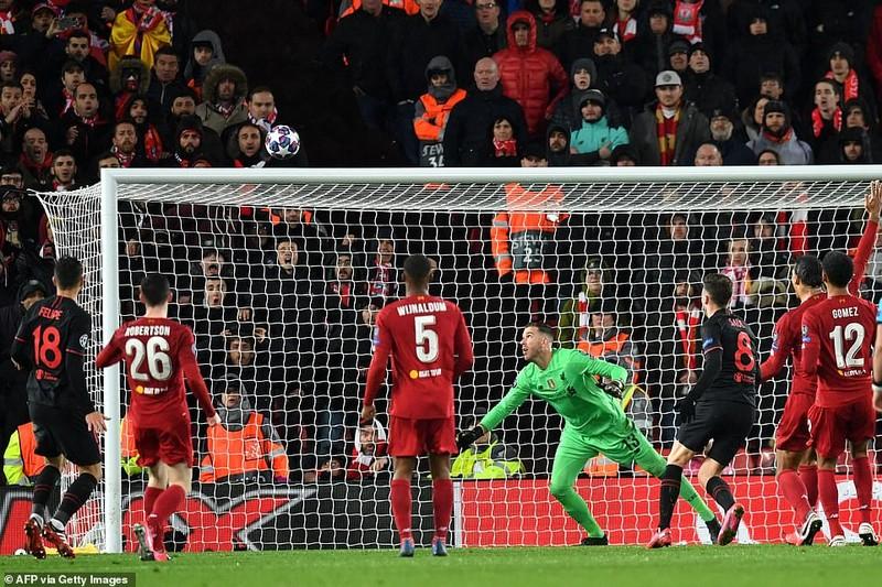 Thua ngược tại Anfield, Liverpool trở thành cựu vương - ảnh 4